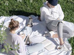 girls-having-picnic.jpg