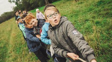 kids-tug-of-war-Anna-Samoylova-unsplash.jpg
