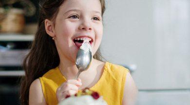 girl-eating-cottonbro-pexels.jpg