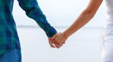couple-holding-hands-yehor-milohrodskyi-unsplash.jpg
