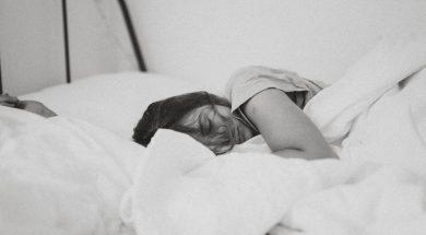 sleeping-girl-kinga-cichewicz-unsplash.jpg