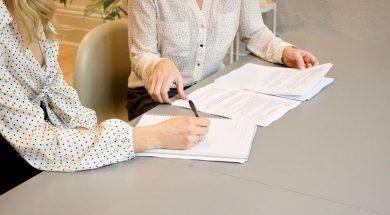 financial-adviser-gabrielle-henderson-unsplash.jpg