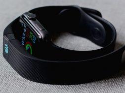 smart-watch-andres-urena-unsplash.jpg