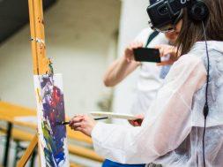student-paints-wth-VR-billetto-editorial-unsplash.jpg