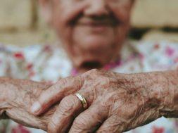 elderly-woman-eduardo-barrios-unsplash.jpg