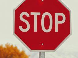 stop-sign-joshua-hoehne-unplash.jpg